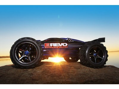 TRAXXAS E-Revo Brushless MXL-6S TSM (TQi/No Batt or Chg) 1/10 scale Black  click to zoom image